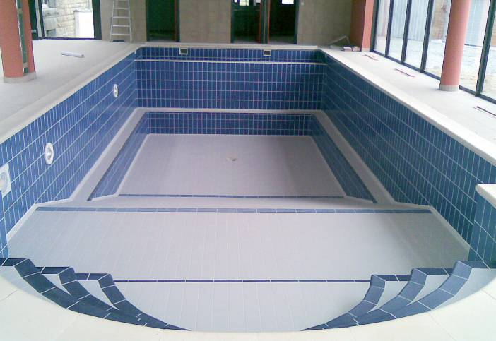 Construire piscine beton images for Piscine beton banche